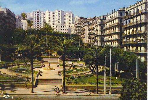 الجزائر العاصمة♥alger la blanche♥ Alger%20la%20blanche%20-%20square%20bab%20el%20oued